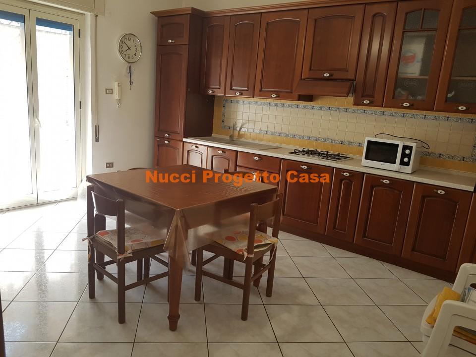 Appartamento e garage in via Campania